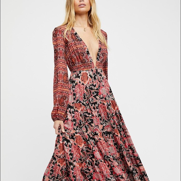 a15c3795e158 Free People Dresses & Skirts - Free People Dove Long Sleeve Maxi - Size XS